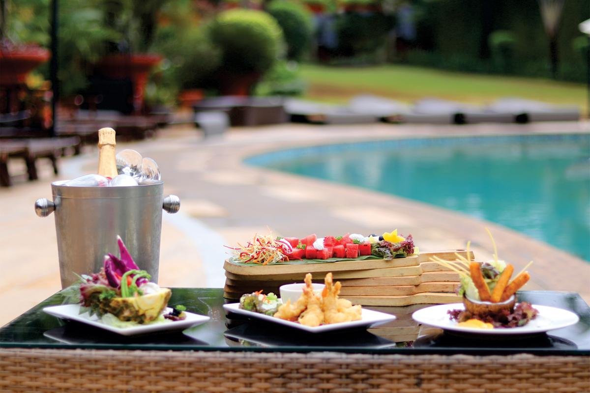Enjoy Lavish Sunday Brunch by the Pool!